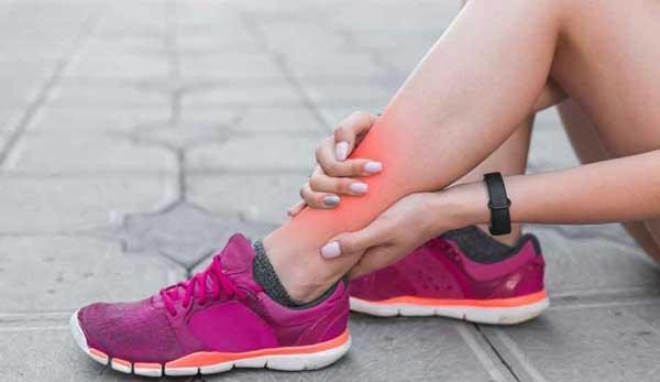 نشانه هایی که از کفش ورزشی نامناسب استفاده می کنید
