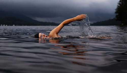 تمرینات کالری سوز- شنا کردن
