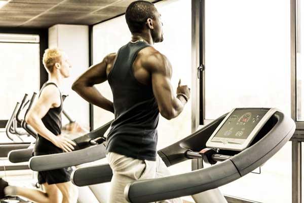 آیا ورزش با تردمیل باعث زانو درد شده و برای زانوها مضر است؟