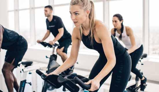 10 فواید شگفت انگیز دوچرخه ثابت برای سلامتی