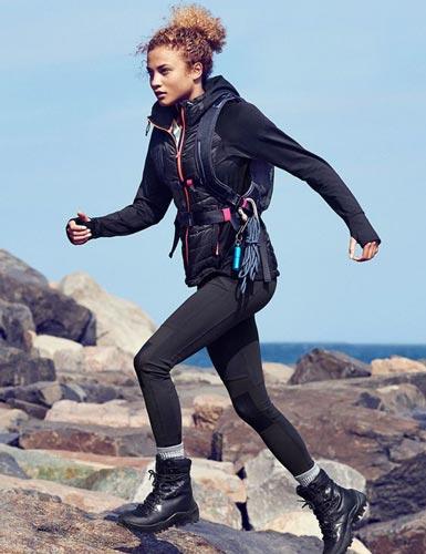 کفش های کوهنوردی زنانه با چه قیمت هایی در بازارهای ورزشی عرضه می شود؟