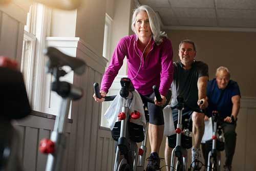رکاب زدن روی دوچرخه ثابت سطح چربی خون (کلسترول) را پایین می آورد